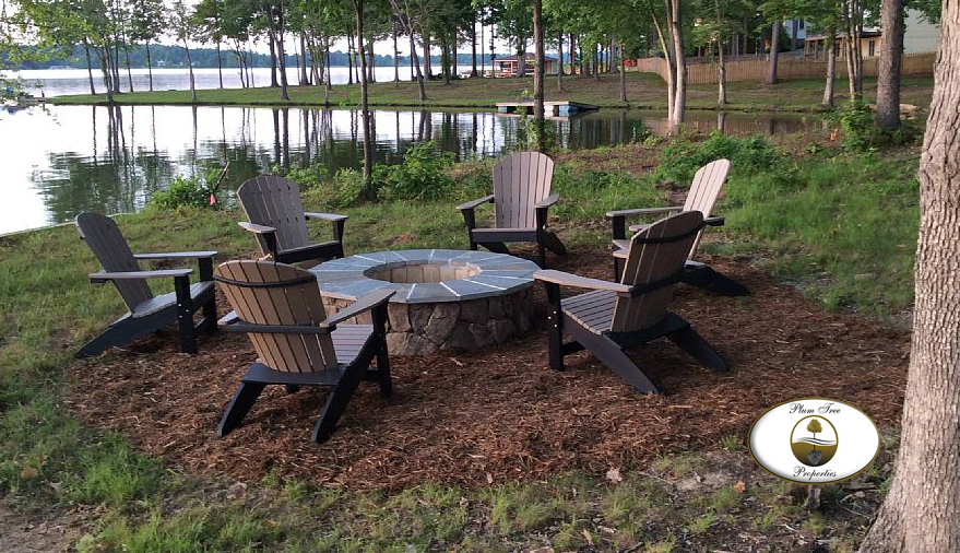 Lake Anna Custom Home: Enjoying The Firepit